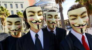 1024px-anonymous_at_scientology_in_los_angeles-2