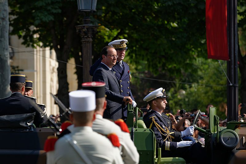 800px-Francois_Hollande_Bastille_Day_2013_Paris_t101747-3